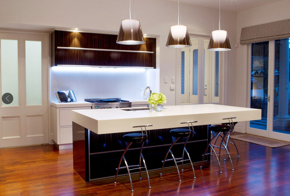 10 Interior Design Ideas Make Your Small Kitchen Look Amazing and Bigger on A Budget