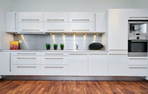 10 Interior Design Ideas Make Your Small Kitchen Look Amazing and Bigger on A Budget-Manage all cabinets properly